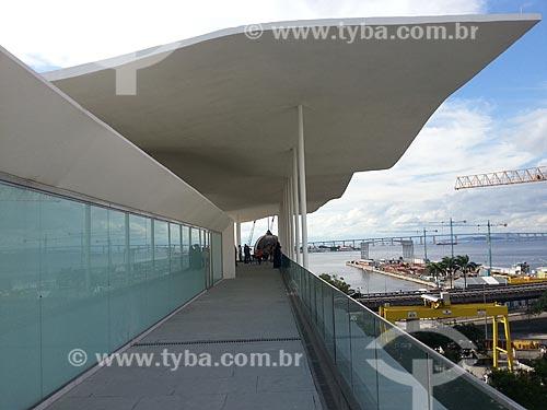 Assunto: Vista do telhado do Museu de Arte do Rio (MAR) com a construção do Museu do Amanhã à direita - foto feita com celular Samsung Galaxy S3 / Local: Rio de Janeiro (RJ) - Brasil / Data: 05/2013