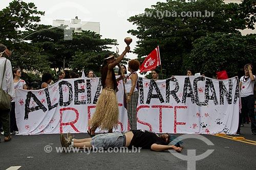Protesto no entorno do Maracanã - antes do jogo entre Brasil x Espanha pela final da Copa das Confederações  - Rio de Janeiro - Rio de Janeiro - Brasil
