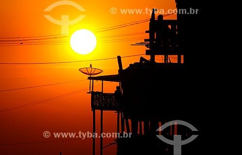 Assunto: Pôr do sol e palafitas / Local: São Raimundo - Manaus - Amazonas (AM) - Brasil / Data: 09/2011