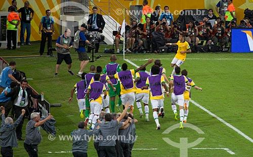 Assunto: Jogadores comemorando gol do Neymar sobre a Espanha pela final da Copa das Confederações no Estádio Jornalista Mário Filho - também conhecido como Maracanã / Local: Maracanã - Rio de Janeiro (RJ) - Brasil / Data: 06/2013