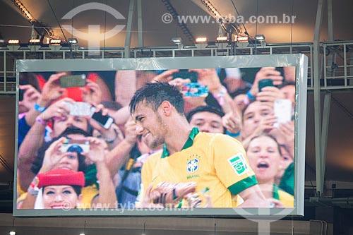 Imagem do telão do Maracanã - jogador Neymar recebendo o prêmio chuteira de bronze pelos 4 gols marcados durante a Copa das Confederações  - Rio de Janeiro - Rio de Janeiro - Brasil
