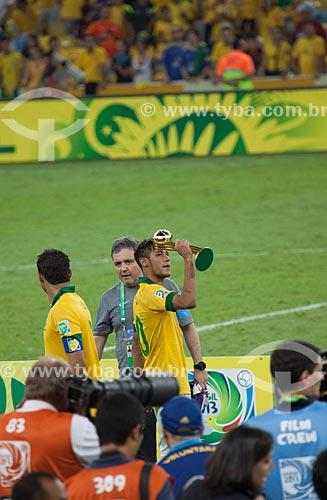 Assunto: Neymar comemorando a conquista da Copa das Confederações no Estádio Jornalista Mário Filho - também conhecido como Maracanã / Local: Maracanã - Rio de Janeiro (RJ) - Brasil / Data: 06/2013