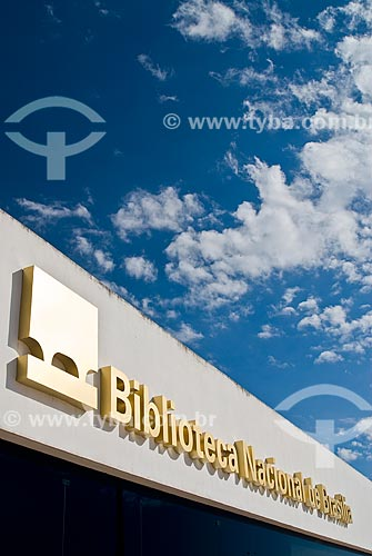 Assunto: Fachada da Biblioteca Nacional de Brasília (2006) - parte do Complexo Cultural da República João Herculino / Local: Brasília - Distrito Federal (DF) - Brasil / Data: 04/2010
