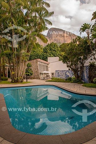 Assunto: Piscina e painel de azulejos criado por Roberto Burle Marx no Instituto Moreira Salles / Local: Gávea - Rio de Janeiro (RJ) - Brasil / Data: 04/2013