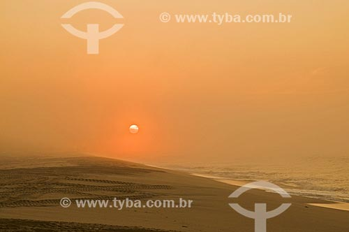 Assunto: Amanhecer na Praia de Farol de São Thomé / Local: Farol de São Thomé -  Campos dos Goytacazes - Rio de Janeiro (RJ) - Brasil / Data: 06/2013