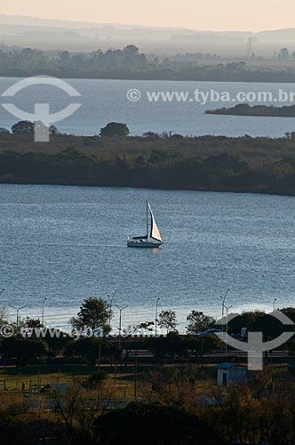 Assunto: Veleiro no lago Guaíba / Local: Porto Alegre - Rio Grande do Sul (RS) - Brasil / Data: 07/2013