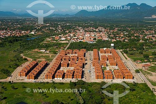 Assunto: Conjuntos residenciais para os desapropriados da margem do Rio Maranguapinho com a Serra de Maranguape ao fundo / Local: Fortaleza - Ceará (CE) - Brasil / Data: 06/2013