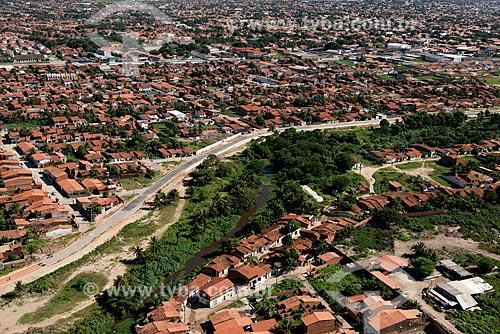 Assunto: Casas às margens do Rio Maranguapinho - as casas serão removidas pelo projeto de reurbanização da margem promovido pelo Programa de Aceleração do Crescimento / Local: Fortaleza - Ceará (CE) - Brasil / Data: 06/2013