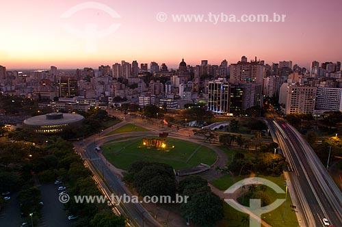 Assunto: Vista aérea do Monumento aos Açorianos (1974) e da Avenida Borges de Medeiros / Local: Porto Alegre - Rio Grande do Sul (RS) - Brasil / Data: 07/2013