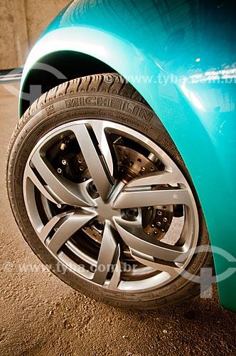 Assunto: Detalhe do pneu do carro modelo BB1 (Peugeot) durante o Michelin Challenge Bibendum / Local: Jacarepaguá - Rio de Janeiro (RJ) - Brasil / Data: 05/2010