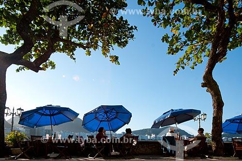 Assunto: Mesas na área externa da Confeitaria Colombo no antigo Forte de Copacabana, atual Museu Histórico do Exército / Local: Copacabana - Rio de Janeiro (RJ) - Brasil / Data: 07/2012