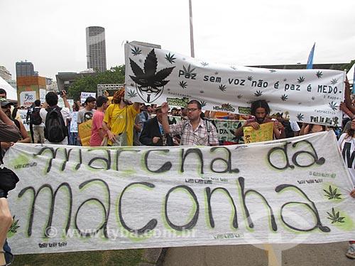 Assunto: Marcha da Maconha durante a Cúpula dos Povos / Local: Flamengo - Rio de Janeiro (RJ) - Brasil / Data: 06/2012