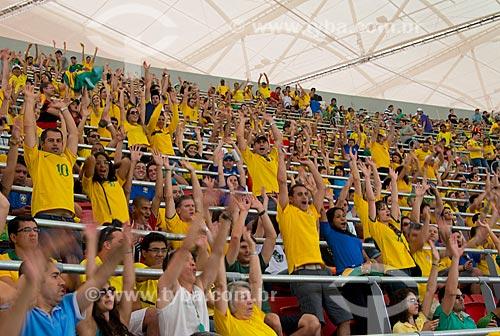 Assunto: Torcedores fazendo ola no jogo entre Brasil x Japão - pela abertura da Copa das Confederações - no Estádio Nacional de Brasília Mané Garrincha (1974) / Local: Brasília - Distrito Federal (DF) - Brasil / Data: 06/2013