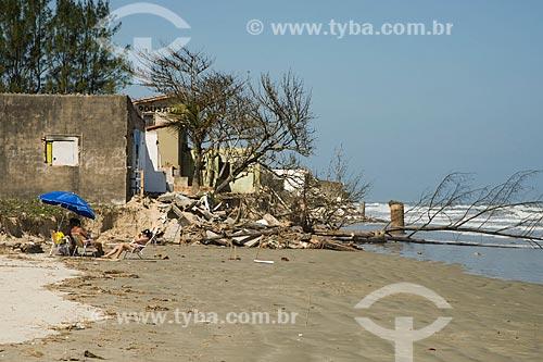 Assunto: Casas derrubadas pelo avanço do mar no litoral da Ilha Comprida - Boqueirão Norte / Local: Ilha Comprida - São Paulo (SP) - Brasil / Data: 11/2012