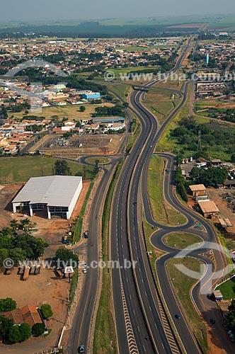 Assunto: Trecho da Rodovia Armando de Salles Oliveira (SP-322) / Local: Bebedouro - São Paulo (SP) - Brasil / Data: 05/2013