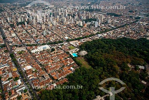 Assunto: Vista aérea do centro da cidade de Ribeirão Preto com parte do Parque Municipal do Morro de São Bento e do Conjunto Poliesportivo Elba de Pádua Lima / Local: Ribeirão Preto - São Paulo (SP) - Brasil / Data: 05/2013