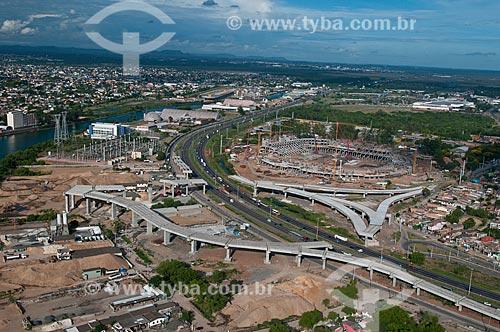 Assunto: Vista aérea da construção da Arena do Grêmio (2012) com o viaduto que ligará as cidade de Porto Alegre e Canoas / Local: Humaitá - Porto Alegre - Rio Grande do Sul (RS) - Brasil / Data: 01/2012