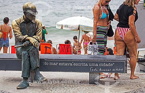 Assunto: Estátua do poeta Carlos Drummond de Andrade no Posto 6 / Local: Copacabana - Rio de Janeiro (RJ) - Brasil / Data: 09/2013
