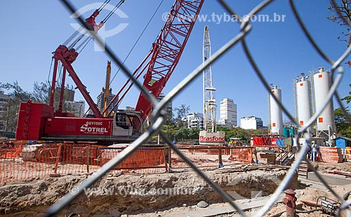 Assunto: Obras na linha 4 do Metrô na Avenida Ataulfo de Paiva próximo ao Jardim de Alah - Concessionária Rio Barra S.A / Local: Leblon - Rio de Janeiro (RJ) - Brasil / Data: 09/2013