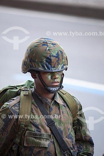 Assunto: Soldado de infantaria do exército durante o desfile em comemoração ao Sete de Setembro na Avenida Presidente Vargas / Local: Centro - Rio de Janeiro (RJ) - Brasil / Data: 09/2013