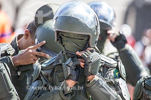 Assunto: Soldado da Tropa de Choque da Polícia do Exército durante o desfile em comemoração ao Sete de Setembro na Avenida Presidente Vargas / Local: Centro - Rio de Janeiro (RJ) - Brasil / Data: 09/2013