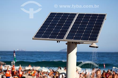 Assunto: Chuveiro movido a energia solar na Praia de Ipanema - Posto 9 / Local: Ipanema - Rio de Janeiro (RJ) - Brasil / Data: 09/2013