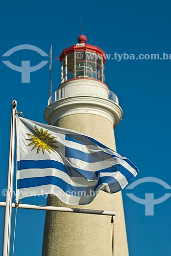 Assunto: Farol de Punta Del Este e bandeira uruguaia / Local: Punta Del Este - Departamento de Maldonado - Uruguai - América do Sul / Data: 09/2013