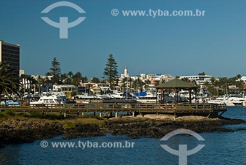 Assunto: Deck de madeira na marina de Punta Del Este / Local: Punta Del Este - Departamento de Maldonado - Uruguai - América do Sul / Data: 09/2013