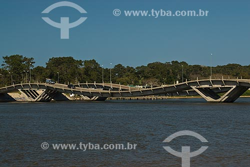 Assunto: Ponte Leonel Vieira (1965) / Local: Punta Del Este - Departamento de Maldonado - Uruguai - América do Sul / Data: 09/2013