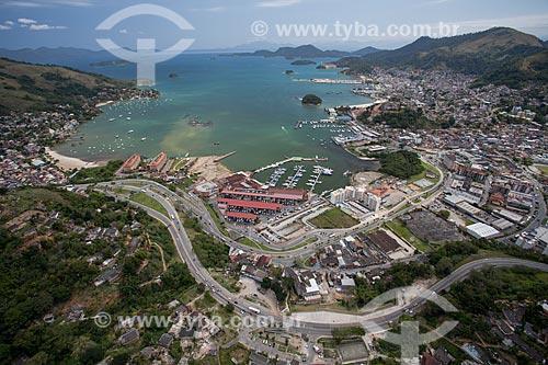 Assunto: Foto aérea do Parque das Palmeiras com o Shopping Piratas Mall / Local: Angra dos Reis - Rio de Janeiro (RJ) - Brasil / Data: 04/2011
