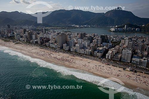 Assunto: Foto aérea da Praia de Ipanema próximo à Rua Joana Angélica com a Lagoa Rodrigo de Freitas ao fundo / Local: Ipanema - Rio de Janeiro (RJ) - Brasil / Data: 04/2011
