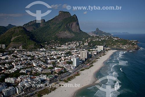 Assunto: Foto aérea da Avenida do Pepê com a Pedra da Gávea ao fundo / Local: Jardim Oceânico - Barra da Tijuca - Rio de Janeiro (RJ) - Brasil / Data: 04/2011