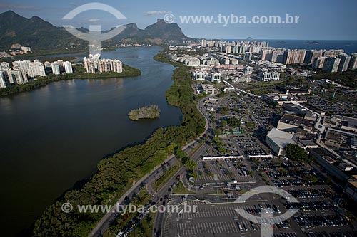 Assunto: Foto aérea da Lagoa da Tijuca próximo ao Barra Shopping / Local: Barra da Tijuca - Rio de Janeiro (RJ) - Brasil / Data: 04/2011
