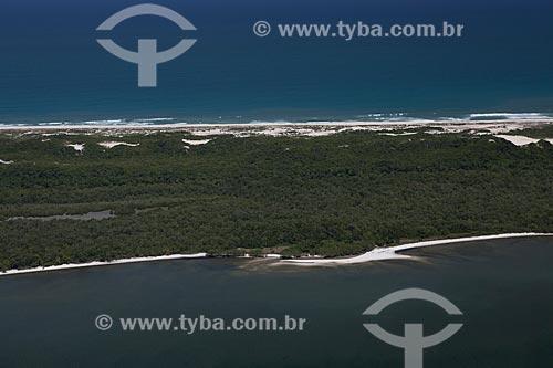 Assunto: Foto aérea da Restinga da Marambaia - área protegida pela Marinha do Brasil / Local: Rio de Janeiro (RJ) - Brasil / Data: 03/2012