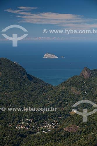 Assunto: Vista da Ilha Redonda no Arquipélago das Cagarras a partir do Alto da Boa Vista / Local: Alto da Boa Vista - Rio de Janeiro (RJ) - Brasil / Data: 05/2013