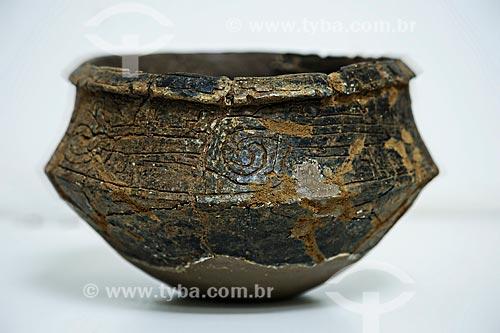 Assunto: Vasilha de 2000 anos encontrado em 2008 pela arqueóloga Sanna Saunaluoma no Sitio da Fazenda Atlantica - Reprodução acervo núcleo de arqueologia da UFAC / Local: Rio Branco - Acre (AC) - Brasil / Data: 05/2013