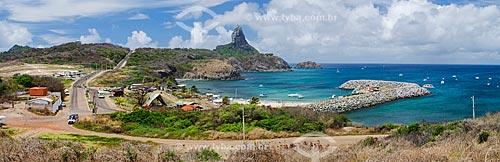 Assunto: Porto de Santo Antônio e Morro do Pico ao fundo / Local: Arquipélago de Fernando de Noronha - Pernambuco (PE) - Brasil / Data: 10/2013