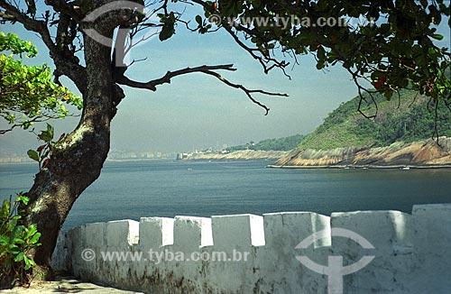 Assunto: Vista do Fortaleza de Santa Cruz (1612) a partir do Forte do Imbuí (1863) / Local: Niterói - Rio de Janeiro (RJ) - Brasil / Data: 2002