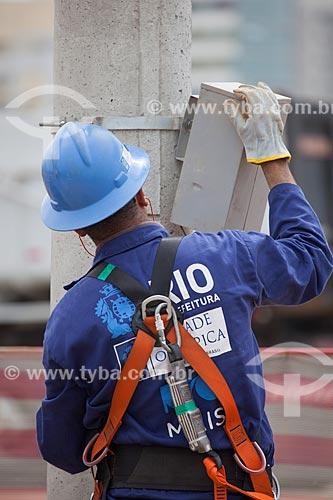Assunto: Operário trabalhando no Parque Olímpico Rio 2016 - antigo Autódromo Internacional Nelson Piquet - Autódromo de Jacarepaguá / Local: Barra da Tijuca - Rio de Janeiro (RJ) - Brasil / Data: 10/2013