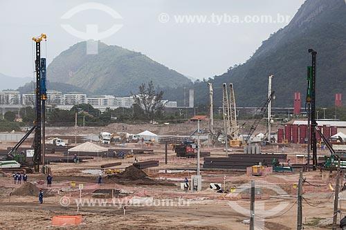 Assunto: Canteiro de obras do Parque Olímpico Rio 2016 - antigo Autódromo Internacional Nelson Piquet - Autódromo de Jacarepaguá - com a Lagoa de Jacarepaguá ao fundo / Local: Barra da Tijuca - Rio de Janeiro (RJ) - Brasil / Data: 10/2013