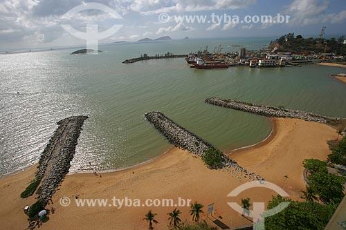 Vista da Praia de Imbitiba com Terminal Alfandegado de Imbetiba ao fundo  - Campos dos Goytacazes - Rio de Janeiro - Brasil