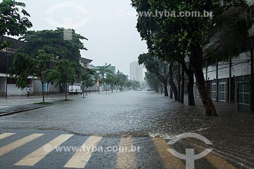 Assunto: Rua Professor Eurico Rabelo durante enchente / Local: Maracanã - Rio de Janeiro (RJ) - Brasil / Data: 12/2013
