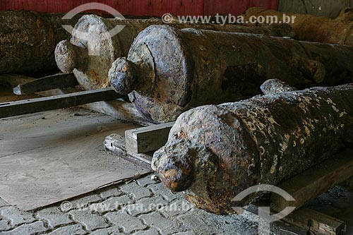 Canhões do século XVII descobertos na Rua Sacadura Cabral por arqueólogos do Museu Histórico Nacional durante as obras do Porto Maravilha   - Rio de Janeiro - Rio de Janeiro - Brasil