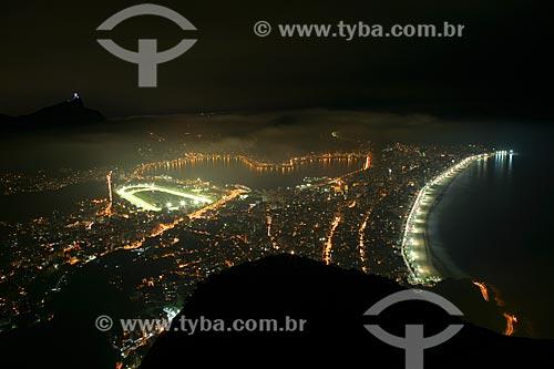 Vista noturna da Lagoa Rodrigo de Freitas e do Jockey Club à partir do Morro Dois Irmãos  - Rio de Janeiro - Rio de Janeiro - Brasil