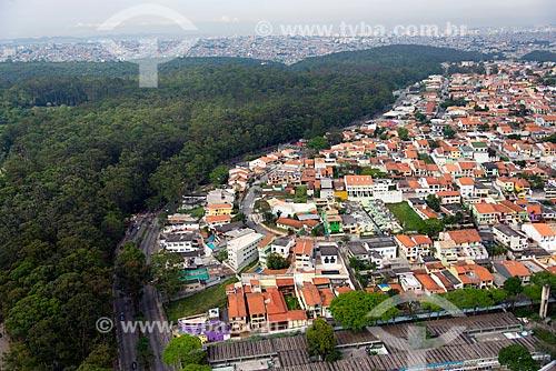 Assunto: Vista aérea de casas nas margens do Parque do Carmo  / Local: Itaquera - São Paulo (SP) - Brasil / Data: 10/2013