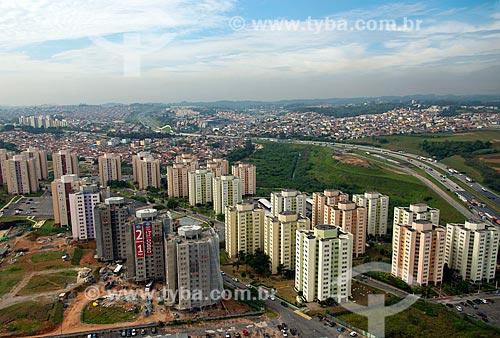 Assunto: Edifícios do condomínio São Cristovão com Rodoanel ao fundo / Local: Osasco - São Paulo (SP) - Brasil / Data: 10/2013