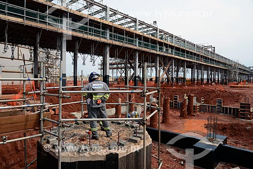 Assunto: Operário na obra de construção da Unidade de Fertilizantes Nitrogenados da PETROBRAS / Local: Três Lagoas - Mato Grosso do Sul (MS) - Brasil / Data: 09/2013