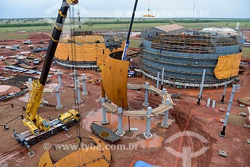 Assunto: Montagem de esfera e tanque de amônia na obra de construção da Unidade de Fertilizantes Nitrogenados da PETROBRAS / Local: Três Lagoas - Mato Grosso do Sul (MS) - Brasil / Data: 09/2013