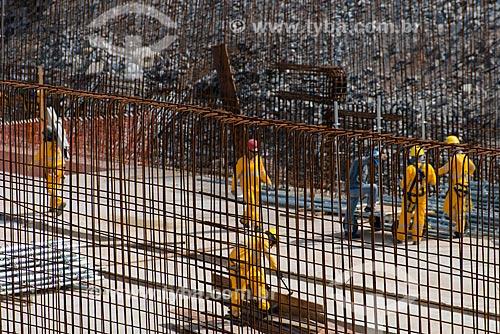 Assunto: Vigas de ferro na obra de ampliação do Aeroporto Internacional de São Paulo-Guarulhos Governador André Franco Montoro (1985) - obra para a Copa do Mundo de 2014 / Local: Guarulhos - São Paulo (SP) - Brasil / Data: 05/2013