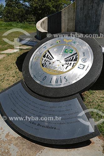 Homenagem aos mortos na explosão da base aérea de Alcântara no Memorial Aeroespacial Brasileiro  -  MAB  - São José dos Campos - São Paulo - Brasil